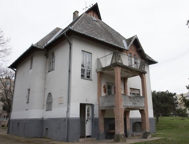 180404-borsos-villa-felujitas-BL-KA_2