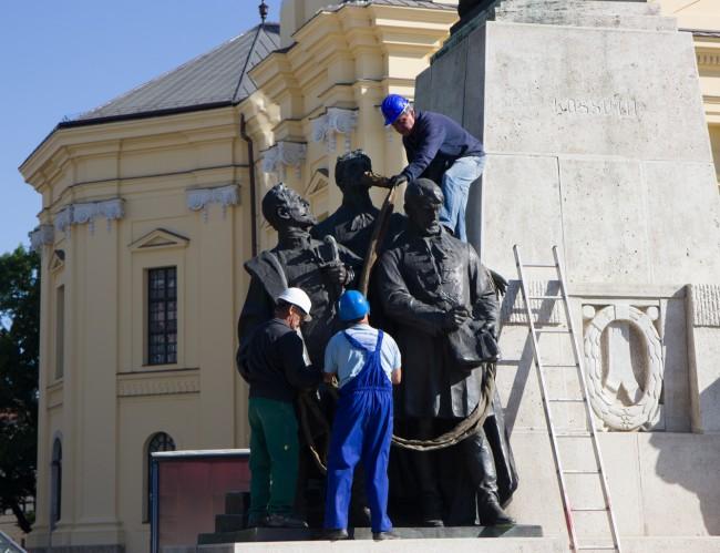 180507-Kossuth-szobor-bontas-KA_15