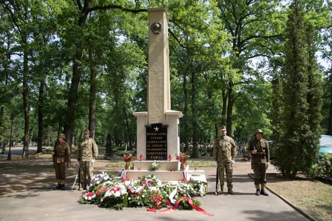 180509-orosz-hosi-halottak-koszoruzas-PL-MJ_53