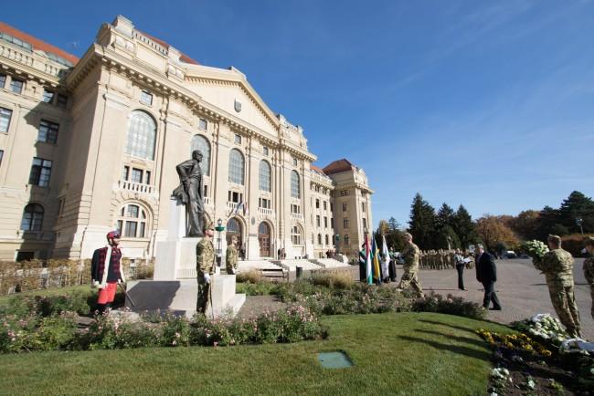 181031-Tisza-Istvan-szobor-koszoruzas-KSz-MJ_30