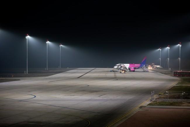 200127-repülőtéri_világítás-MJ.jpg