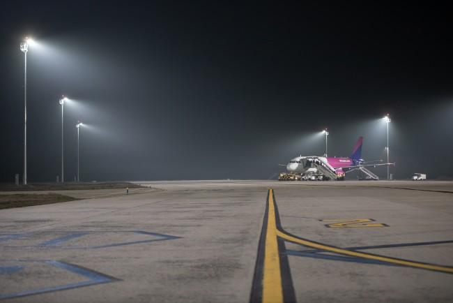 200127-repülőtéri_világítás-MJ_24.jpg