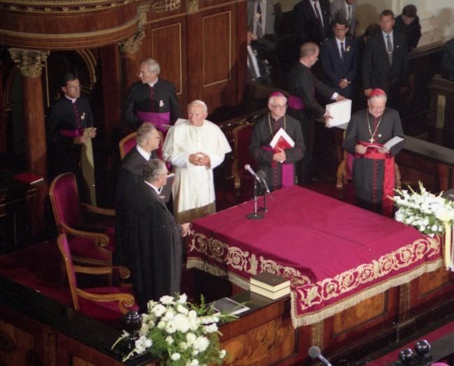 pápalátogatás