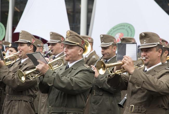 katonazenekari-fesztival-koszonto-KSz-MJ_40