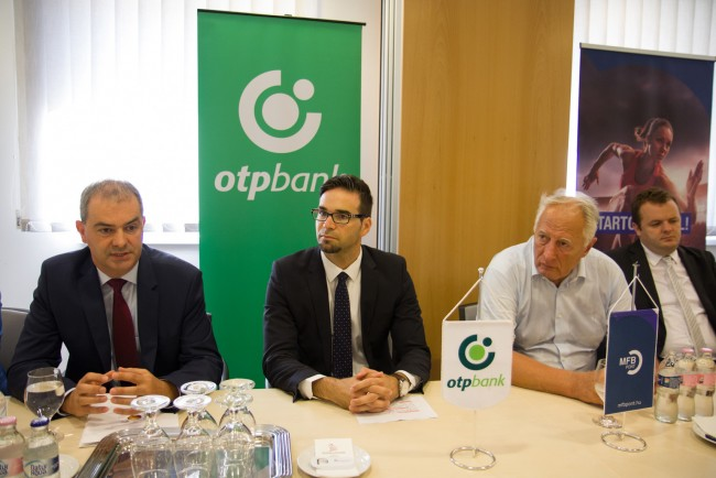 OTP-bank-MFB-pont-atadas-BL-MJ_6