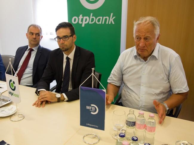 OTP-bank-MFB-pont-atadas-BL-MJ_17